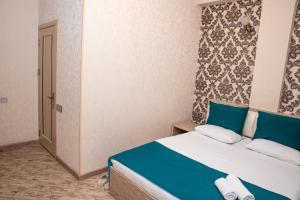 Large Single Room Sebail Inn Hotel