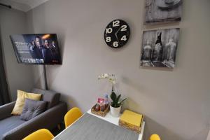 First - Meadowbank House Luxury Apartment