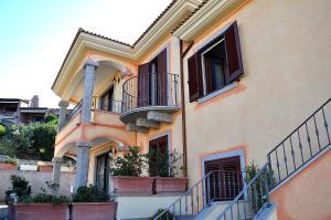Appartamento A Lu Bagnu Vista Mare - AbcAlberghi.com