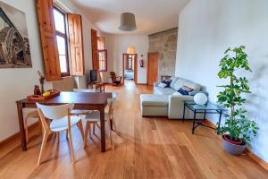 Casa/Home Tomás, 4000-220 Porto