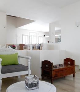 Olia Hotel, Hotel  Tourlos - big - 56