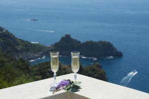 Conca dei Marini Villa Sleeps 5 Air Con WiFi - AbcAlberghi.com