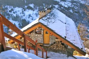 Mussillon Chalet Sleeps 10 WiFi