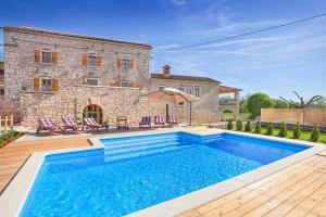 Pifari Villa Sleeps 12 Pool Air Con WiFi
