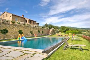 Vernazzano Basso Villa Sleeps 16 Pool WiFi - AbcAlberghi.com