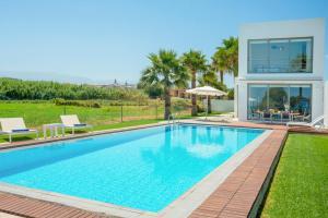 obrázek - Maleme Villa Sleeps 4 Pool Air Con WiFi
