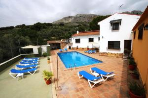 house with 6 bedrooms in villanueva del trabuco, with wonderful mountain view...