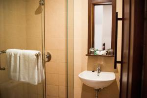 Ketapang Indah Hotel, Hotel  Banyuwangi - big - 63