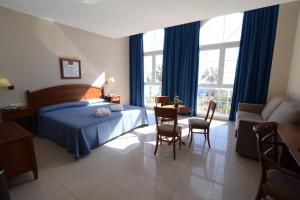 Bahía Tropical, Hotels  Almuí±écar - big - 3