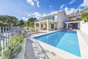 Brasina Villa Sleeps 11 Pool Air Con WiFi