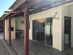 Casa Beira Mar completa para descanso - Governador Celso Ramos