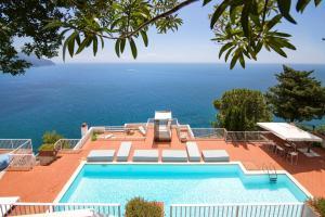 Castiglione Villa Sleeps 8 Pool Air Con WiFi - AbcAlberghi.com