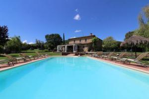 Oliveto Villa Sleeps 20 Pool WiFi