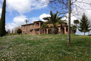 Ospedali Riuniti Valdichiana Senese Apartment Pool - AbcAlberghi.com