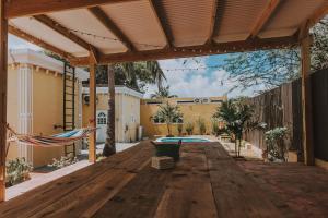 Monumental Landmark with Pool, Dovolenkové domy  Santa Cruz - big - 6
