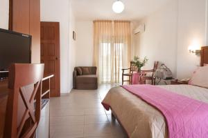 Stratos Hotel, Hotely  Afitos - big - 64