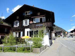 Gotthard Backpacker