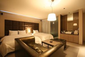Lone Star Hotel - T'oegyewŏn-ni