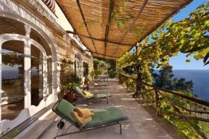 Praiano Villa Sleeps 6 Pool Air Con WiFi - AbcAlberghi.com