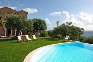 Maratea Villa Sleeps 12 Pool WiFi