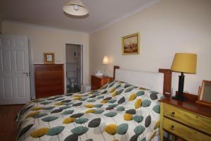 2 Harbour Heights, Clifden, Апартаменты  Клифден - big - 6