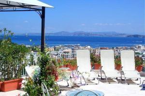 Ischia Villa Sleeps 4 Air Con WiFi - AbcAlberghi.com