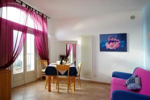 Mezzegra Villa Sleeps 5 Pool WiFi