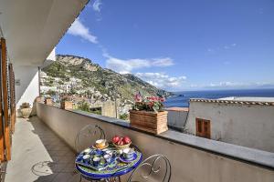 Praiano Villa Sleeps 5 Air Con WiFi - AbcAlberghi.com