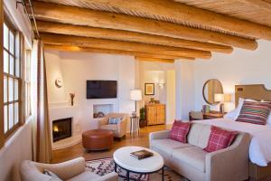 Rosewood Inn of the Anasazi (12 of 32)