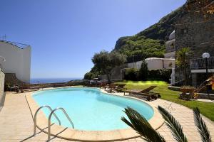 obrázek - Nerano Villa Sleeps 7 Pool Air Con WiFi