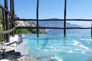 Amalfi Villa Sleeps 12 Pool Air Con WiFi - AbcAlberghi.com