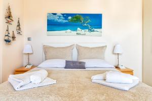 Elegant new maisonette near the sea Aegina Greece