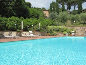Terrenzano Villa Sleeps 6 with Pool and WiFi - AbcAlberghi.com