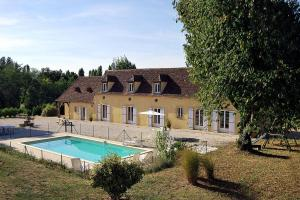 Bergerac Villa Sleeps 12 Pool