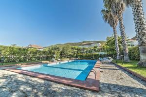 Ogliastro Cilento Villa Sleeps 11 Pool Air Con WiF - AbcAlberghi.com