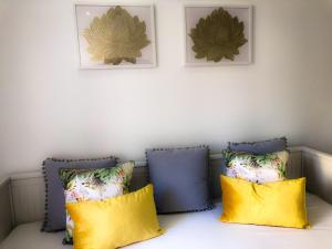 Secret valley apartment in Santos