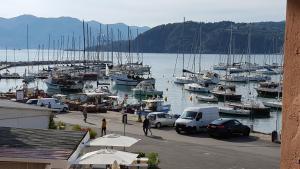 Fronte Mare Sul Molo - AbcAlberghi.com