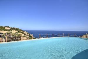 Costa Paradiso Villa Sleeps 6 Pool - AbcAlberghi.com