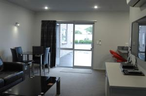 295 on Tay Motel - Accommodation - Invercargill