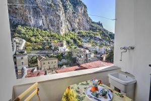 Amalfi Villa Sleeps 3 Air Con - AbcAlberghi.com