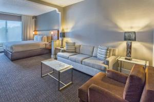 DoubleTree by Hilton Nanuet, Отели  Нанует - big - 26