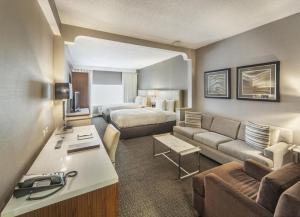 DoubleTree by Hilton Nanuet, Отели  Нанует - big - 25