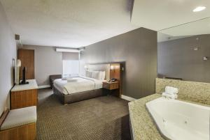 DoubleTree by Hilton Nanuet, Отели  Нанует - big - 21