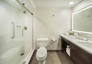 DoubleTree by Hilton Nanuet, Отели  Нанует - big - 19