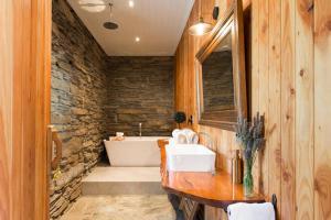 Creagh Cottage, Prázdninové domy  Arrowtown - big - 8