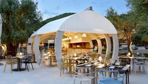 Maestral Resort & Casino, Hotely  Sveti Stefan - big - 45