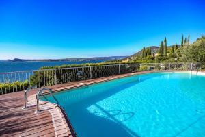 La Villa Fasano, Apartmánové hotely  Gardone Riviera - big - 1