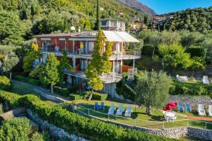 La Villa Fasano, Apartmánové hotely  Gardone Riviera - big - 188