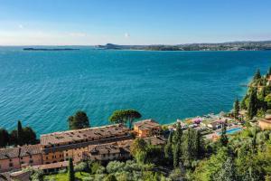 La Villa Fasano, Apartmánové hotely  Gardone Riviera - big - 159