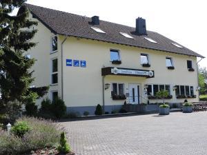 Pension-Garni Landhaus Eifelsicht - Hollerath